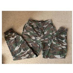 ✨ Camo Cargo Pants ✨